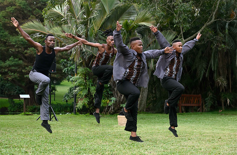 Flatfoot Dance Company taking dance to the botanical gardens in times of a Pandemic